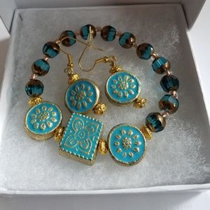 Turquoise & gold bracelet and earring set NWT